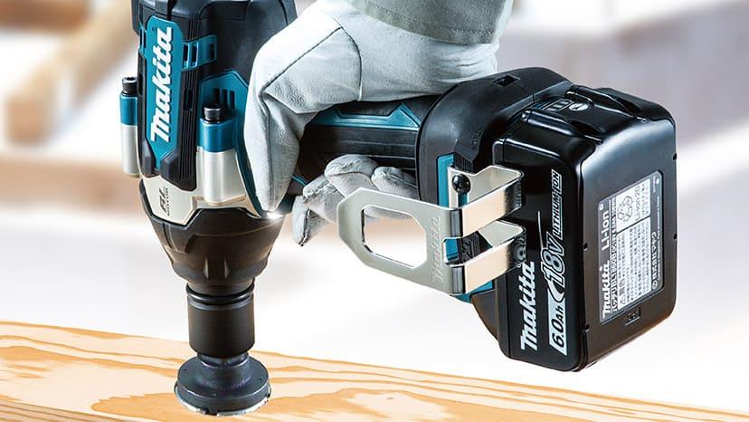 充電式インパクトレンチ。トルクアップと大幅な小型化を両立したミドルクラス。